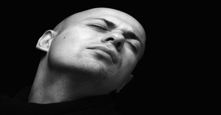 Cómo clavarla con el tratamiento facial masculino