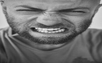 7 maneras de pifiarla en cuidado masculino, y qué hacer para que no te pillen