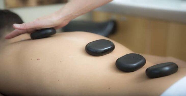 La revolución de los masajes llega con las piedras volcánicas